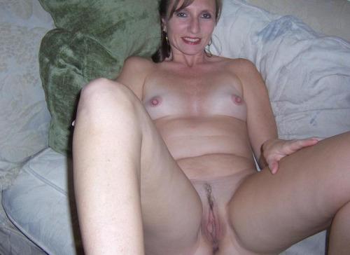 femme-cougar-nue-a-baiser-dans-le-07