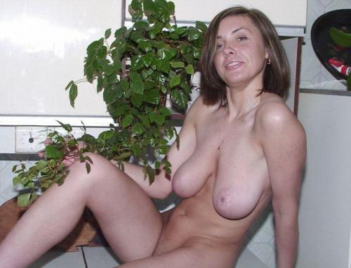 femme-cougar-nue-a-baiser-dans-le-84