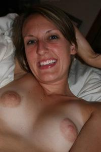 mere-au-fouyer-du-08-veut-decouvrir-le-sexe-anal