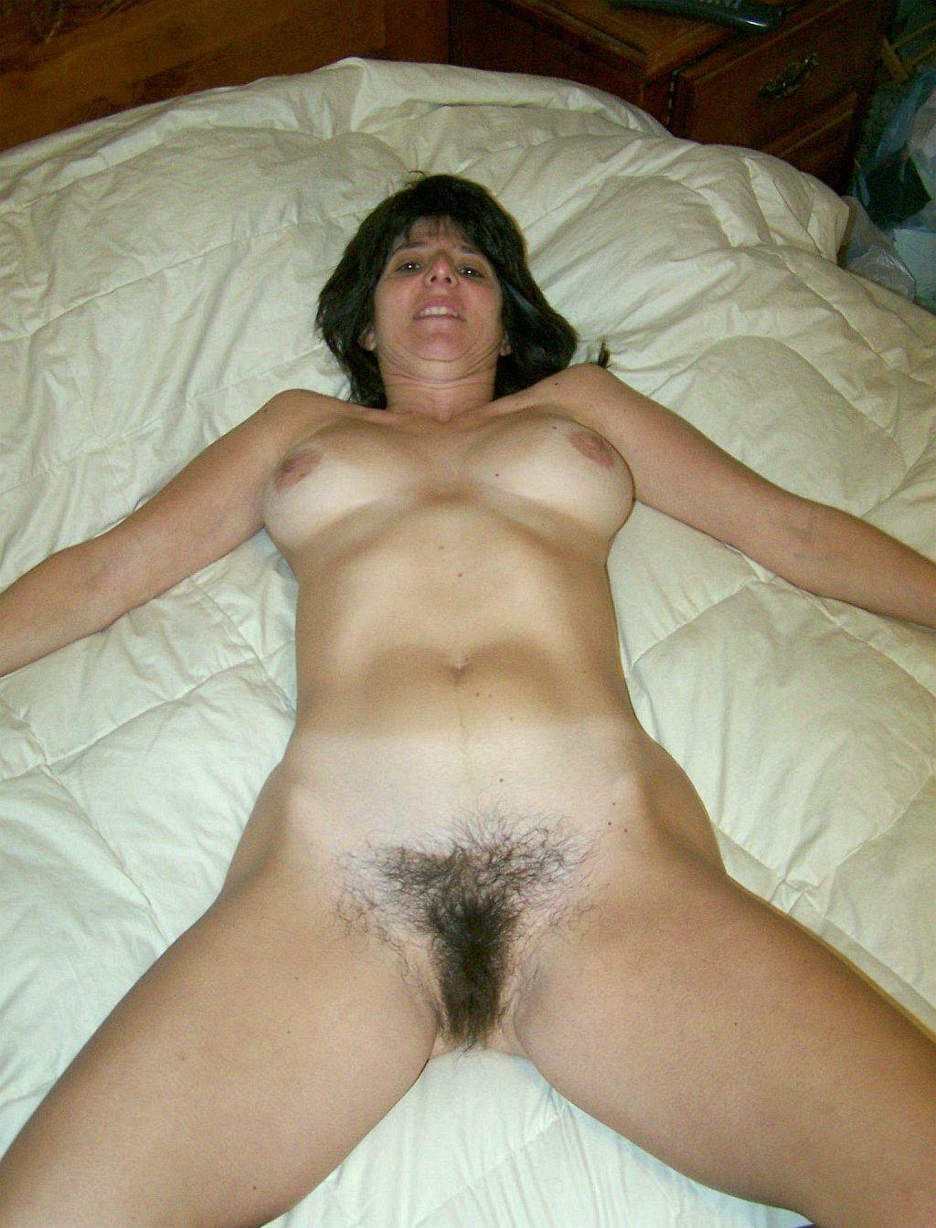 maman-sex-nu-en-photo-dans-le-43-pour-sexer