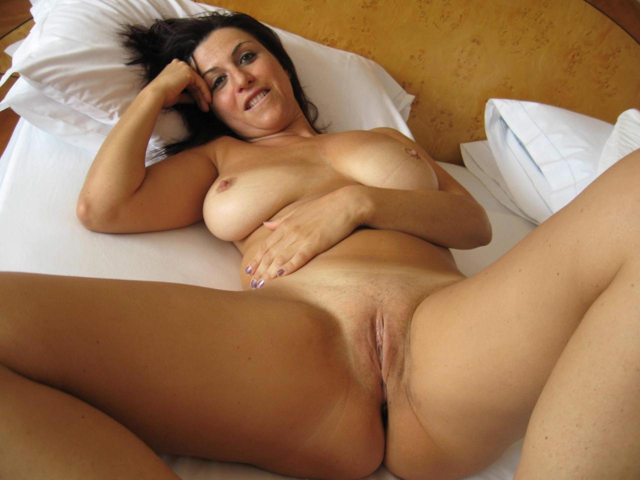 milf-dans-le-22-en-photo-sexe-pour-plan-sperme