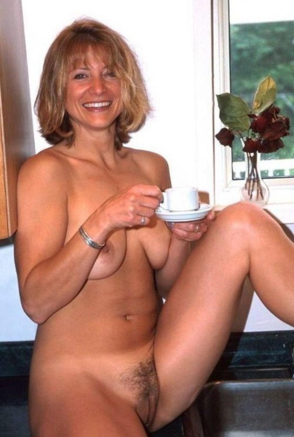 milf-dans-le-70-en-photo-sexe-pour-plan-sperme