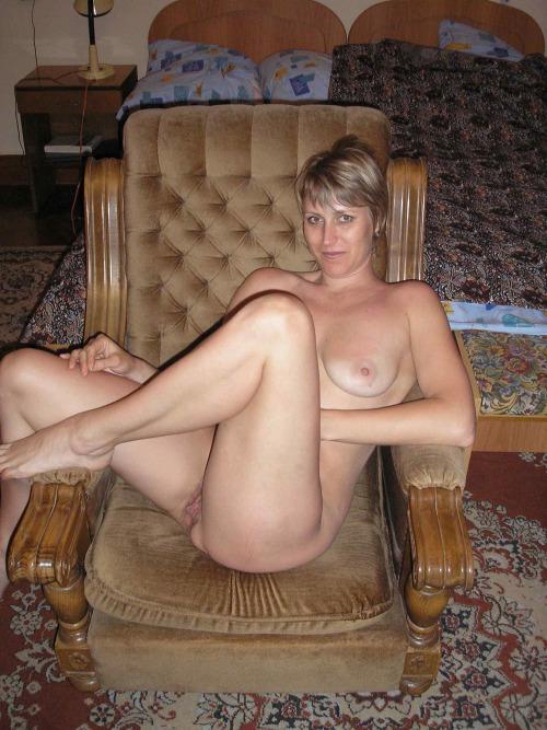 rencontre-facile-dans-le-86-avec-maman-salope-nue